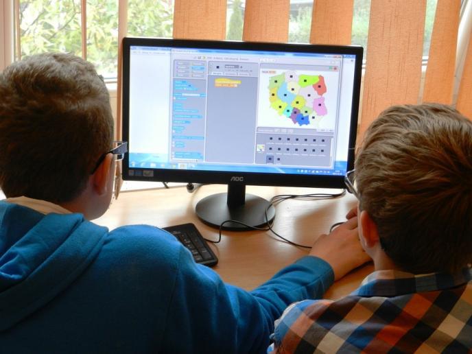 Все повече ученици ползват онлайн обучението като извънкласна форма на подготовка