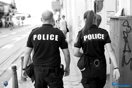 Среднощните мисли на един полицай!