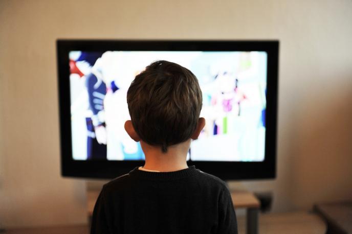 Телевизиите ще обозначават допълнително съдържанието, неподходящо за деца